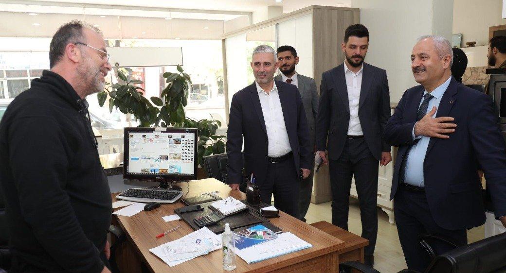 Başkanlardan H. Halil'de esnaf turu